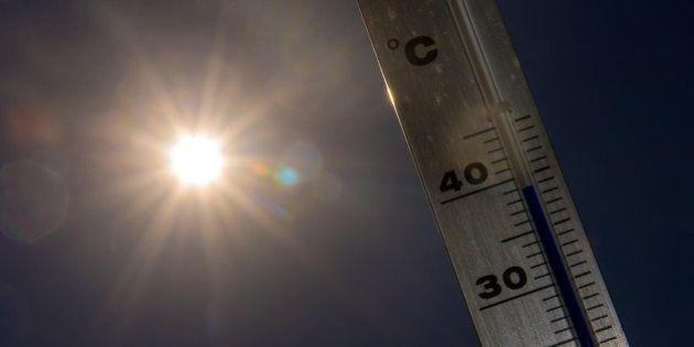 Canicule: 700 morts supplémentaires à cause des fortes chaleurs, annonce le ministère de la