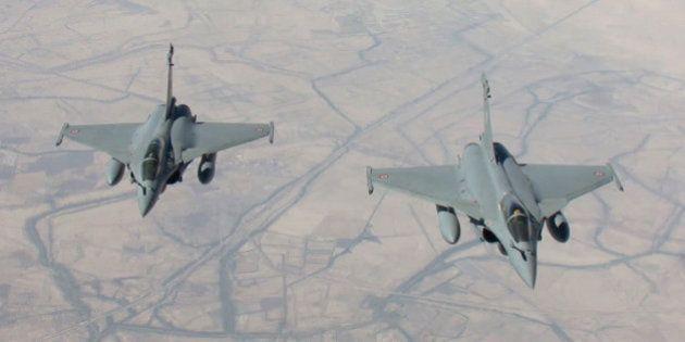 Frappes en Syrie: l'aviation française a fait ses premiers bombardements contre