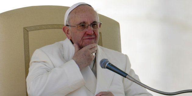 Le pape commence en Jordanie un pélerinage très délicat en Terre