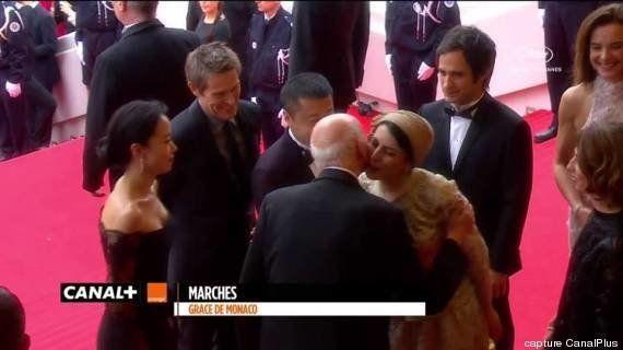 Cannes: après sa bise à Gilles Jacob, l'actrice iranienne Leila Hatami