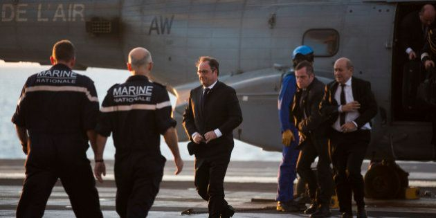Pourquoi cette visite de François Hollande sur le Charles de Gaulle est vraiment