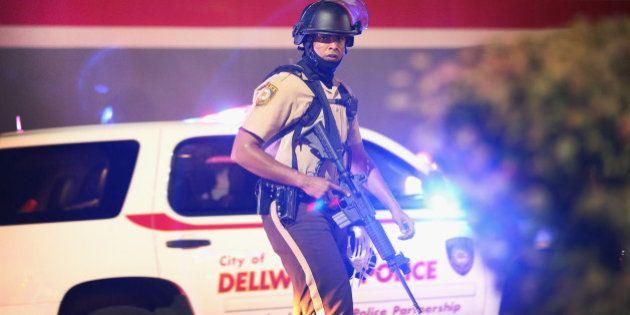 Émeutes aux États-Unis : gaz lacrymogènes contre des manifestants à Ferguson, deux journalistes