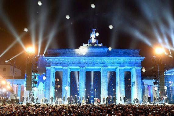 VIDÉO. Des milliers de ballons dans le ciel de Berlin pour le 25e anniversaire de la chute du