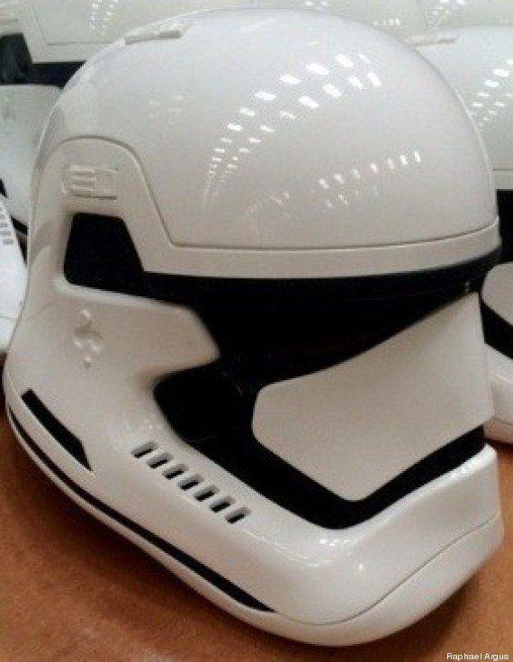 PHOTOS. Star Wars 7 : les premières images du casque des