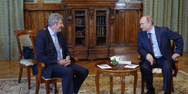 Puy du Fou: Philippe de Villiers rencontre Vladimir Poutine pour décliner le concept en