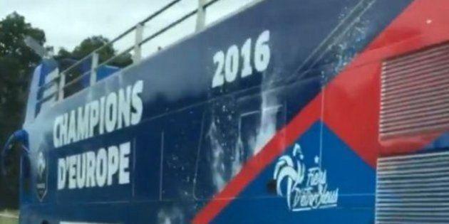 France - Portugal: Ce bus à impériale est accusé d'avoir porté la poisse aux