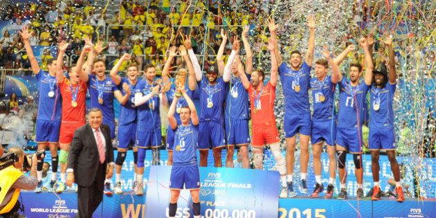 VIDÉOS. Volley : premier titre international pour l'équipe de France, qui remporte la Ligue