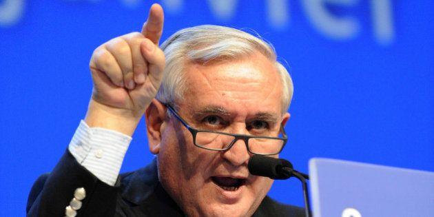 Sénatoriales: Raffarin officiellement candidat à la présidence du Sénat face à Larcher et