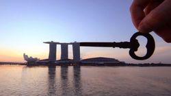 Il transforme les monuments du monde entier avec des bouts de