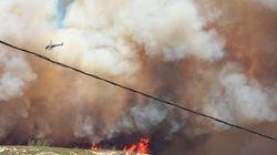 Les images impressionnantes de l'énorme incendie près de