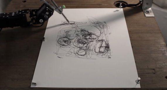 VIDÉO. Ce robot-artiste, baptisé Paul-IX, dessine (sans doute) mieux que