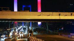 Chars et explosions à Ankara, tirs sur le pont du Bosphore aux couleurs de la