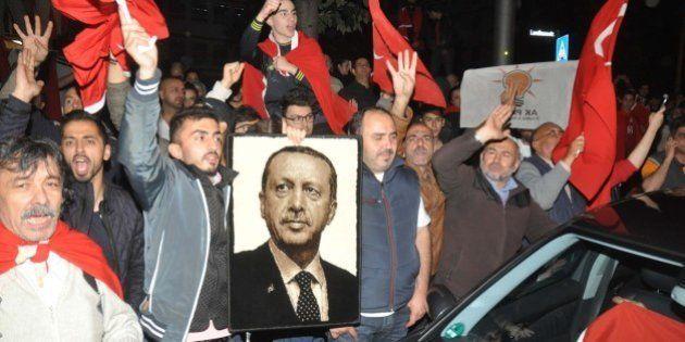 Ces soutiens quasi-unanimes (et parfois inattendus) qui pourraient renforcer Erdogan après le coup d'Etat...