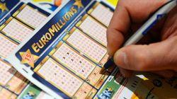 Il va donner 50 de ses 72 millions gagnés à Euro Millions: les autres chanceux