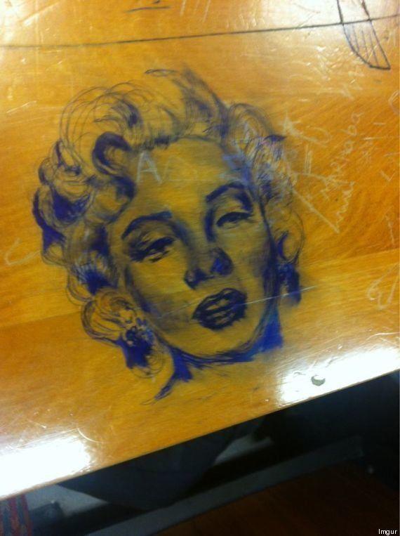 PHOTOS. Les incroyables dessins réalisés sur les tables d'une université en