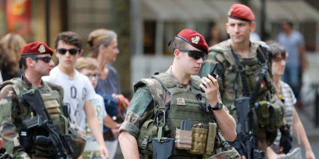 Qu'est-ce que la réserve opérationnelle que Bernard Cazeneuve et François Hollande appellent à