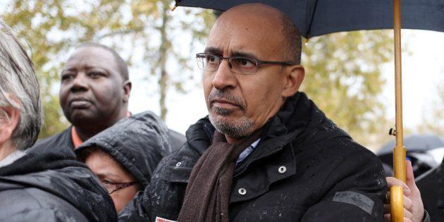 Voile à la plage: Harlem Désir pris pour cible dans son