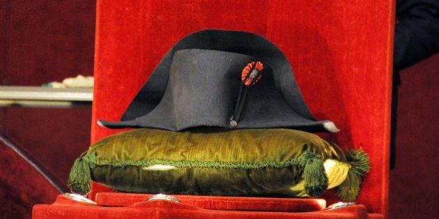 Le chapeau de Bonaparte vendu pour une somme exorbitante aux