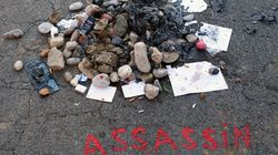Mégots, insultes et bûcher là où le tueur a été abattu à