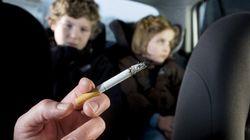Fumer en voiture en présence d'enfants mineurs maintenant interdit en Angleterre et au Pays de