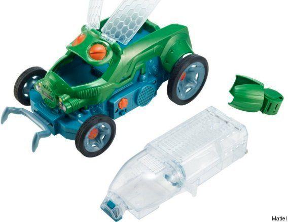 VIDÉO. Bug Racer, une voiture pilotée par un insecte, est le cadeau de Noël le plus cruel de