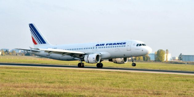 Air France: la direction lance un plan de restructuration qui pourrait déboucher sur la suppression de...
