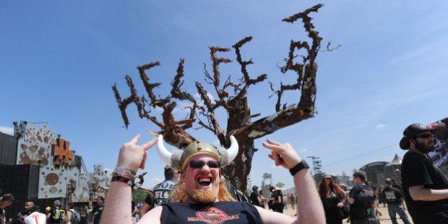 Le Front national et la droite s'en prennent au Hellfest, le festival leur