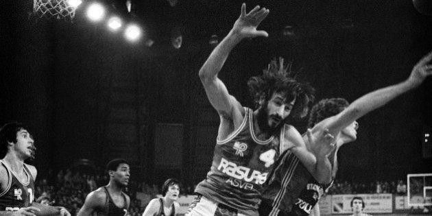 Alain Gilles, figure du basket ball français, est