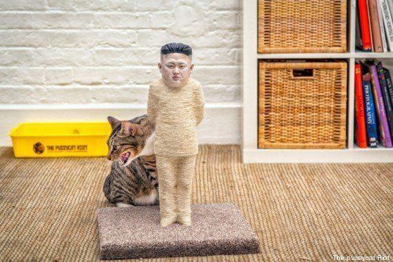 VIDEO. Des griffoirs à chats en forme de Poutine et Kim Jong-Un contre la censure sur