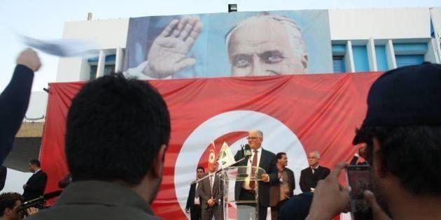 Election présidentielle en Tunisie: Kamel Morjane ou Mondher Zenaïdi, comment faire campagne quand on...