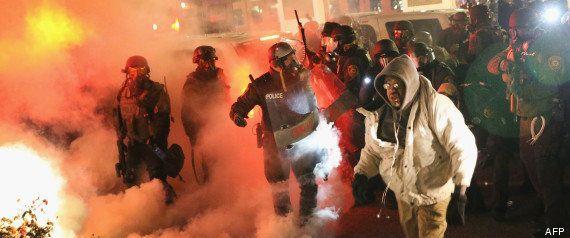 Ferguson: violentes émeutes après l'annonce de la non inculpation du policier qui a tué Michael