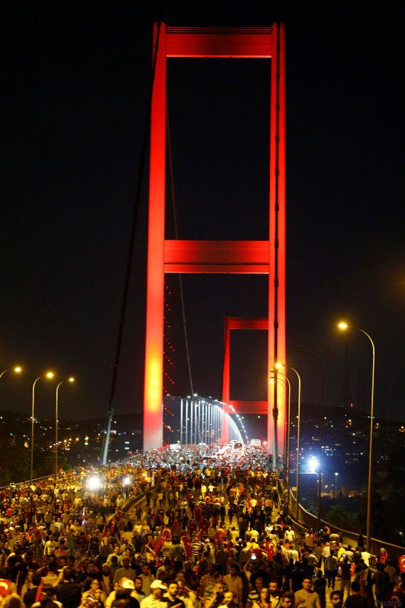 Le Pont du Bosphore rebaptisé en hommage aux morts du putsch raté en