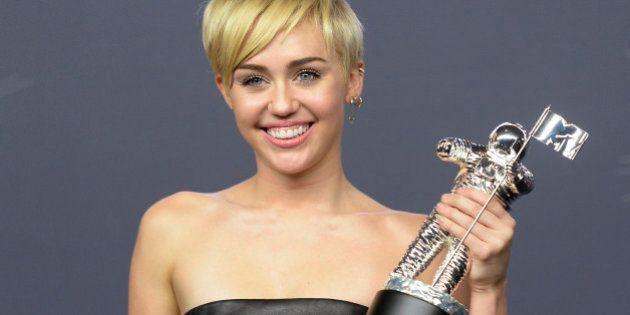 Miley Cyrus remporte le VMA de la vidéo de l'année pour