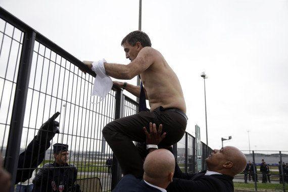 Air France: Xavier Broseta, le DRH de la compagnie, agressé par des