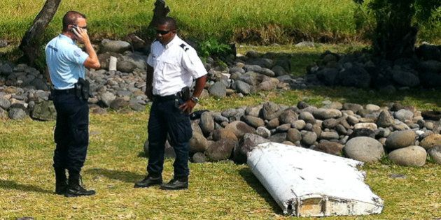 Des débris d'avion retrouvés à La Réunion relancent le débat sur la disparition du vol