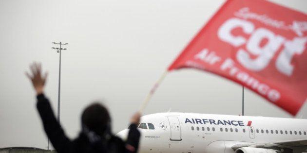 Violences à Air France: la CGT, mise en cause, refuse de condamner ou de