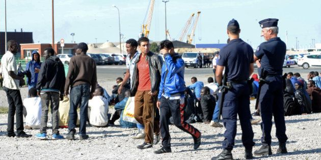 Immigration à Calais: la France et le Royaume-Uni concluent un accord sur la