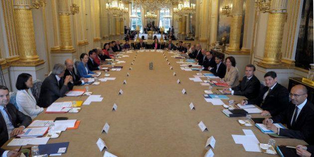 EN DIRECT. Gouvernement Valls II: passations de pouvoir, conseil des ministres... suivez la première...