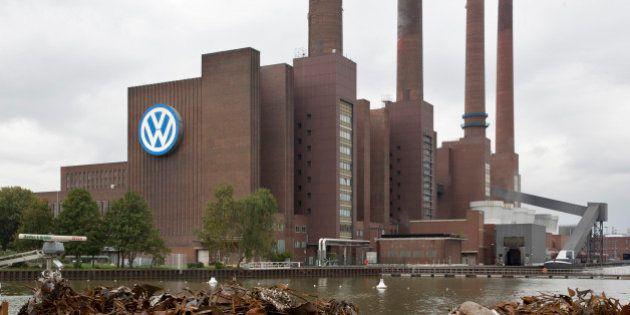 Scandale Volkswagen : perquisitions au siège du groupe à Wolfsburg en
