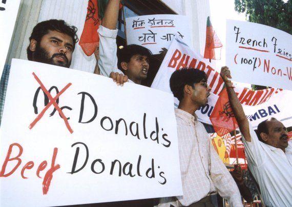 Un professeur musulman de New Delhi invite les gens à manger du porc pour lutter contre