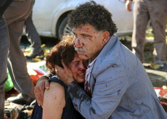 Turquie: Des explosions près de la gare d'Ankara font 95 morts, les autorités évoquent un