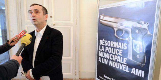 Béziers: Robert Ménard rabote les subventions des associations mais dope le budget