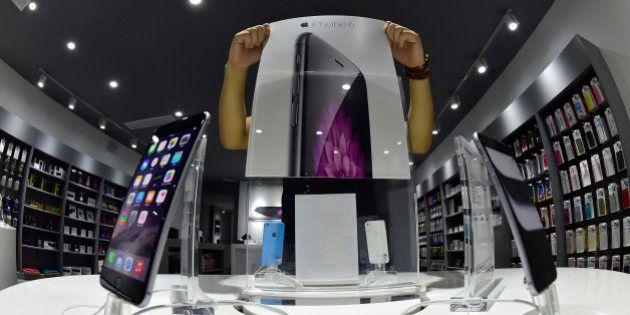 Apple annonce des ventes records d'iPhone et la sortie de la Watch en