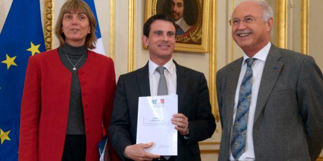 Droit d'asile: Manuel Valls reçoit le rapport pour