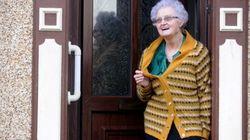 Elle porte le même gilet depuis 54
