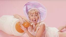 VIDÉO. Miley Cyrus en bébé dans son dernier clip