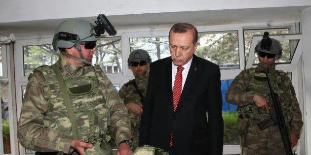 Comment le rôle trouble de la Turquie complique (encore plus) le conflit en