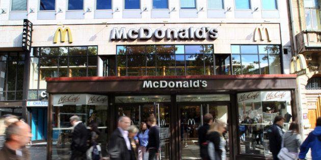 Le plus gros McDonald's du monde rouvre ses portes à Paris, sur les