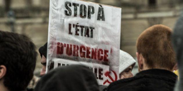 Etat d'urgence: le Conseil constitutionnel valide les perquisitions mais censure la copie de