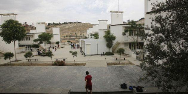 Syrie: un obus chute sur l'école française de Damas, pas de